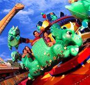 Disney-s-animal-kingdom triceratop-spin
