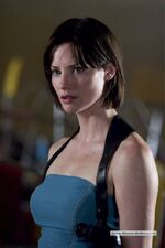 Sienna-guillory-01