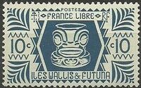 Wallis and Futuna 1944 Ivi Poo Bone Carving in Tiki Design b