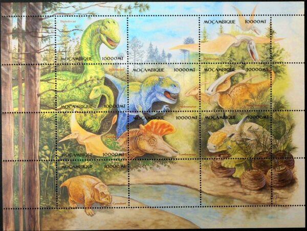 Mozambique 2002 Dinosaurs Sb