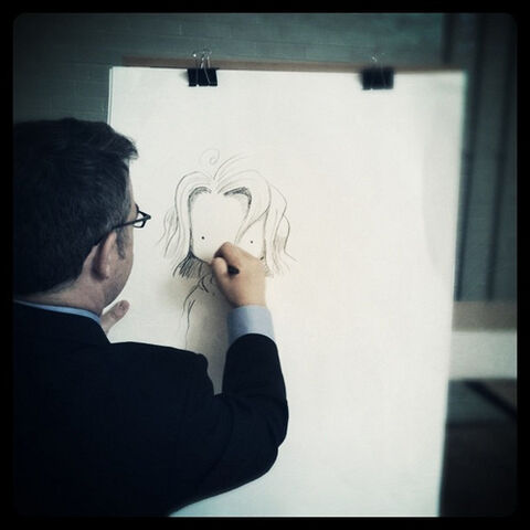 File:Peter Reynolds from@fablevision sketches a Judy Mooody character on his visit 2 bates.jpg