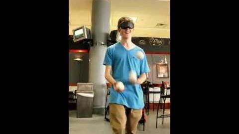 Blind juggling