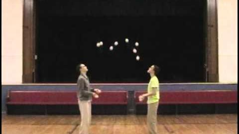 12 Ball Juggling World Record 579 Catches 289 Passes