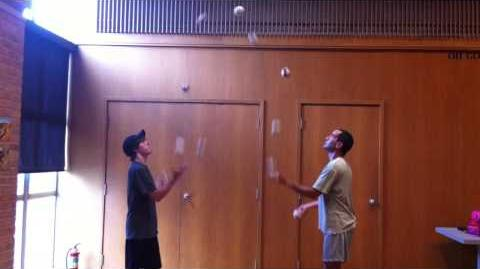 Juggling — 11 Ball Passing 2