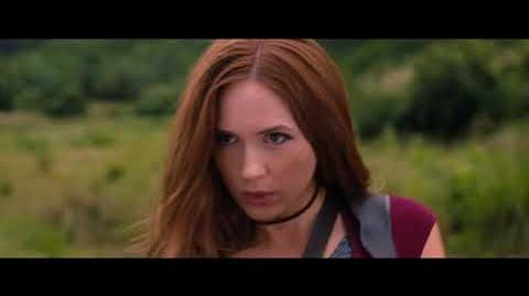 Jumaji Welcome to the Jungle Karen Gillan Sexy Dance and Fight Scene 1080p