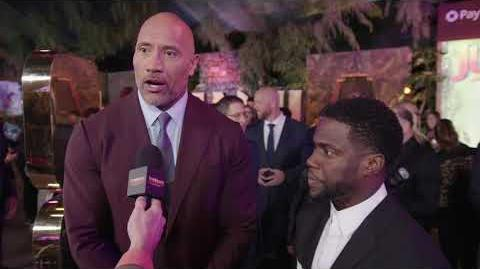 Jumanji Welcome To The Jungle Premiere LA - Itw Kevin Heart Dwayne Johnson (official video)