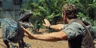 Jurassic-World-Velociraptors-5