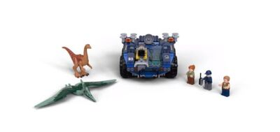 LEGO-Jurassic-World-75940-Gallimimus-and-Pteranodon-Hunt-600x283