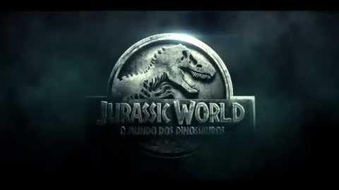 Jurassic World - Cena Exclusiva - Owen Escapa da Jaula do Indominus Rex