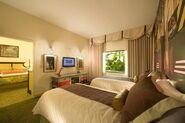 Universals-Loews-Royal-Pacific-Resort-Suite-10