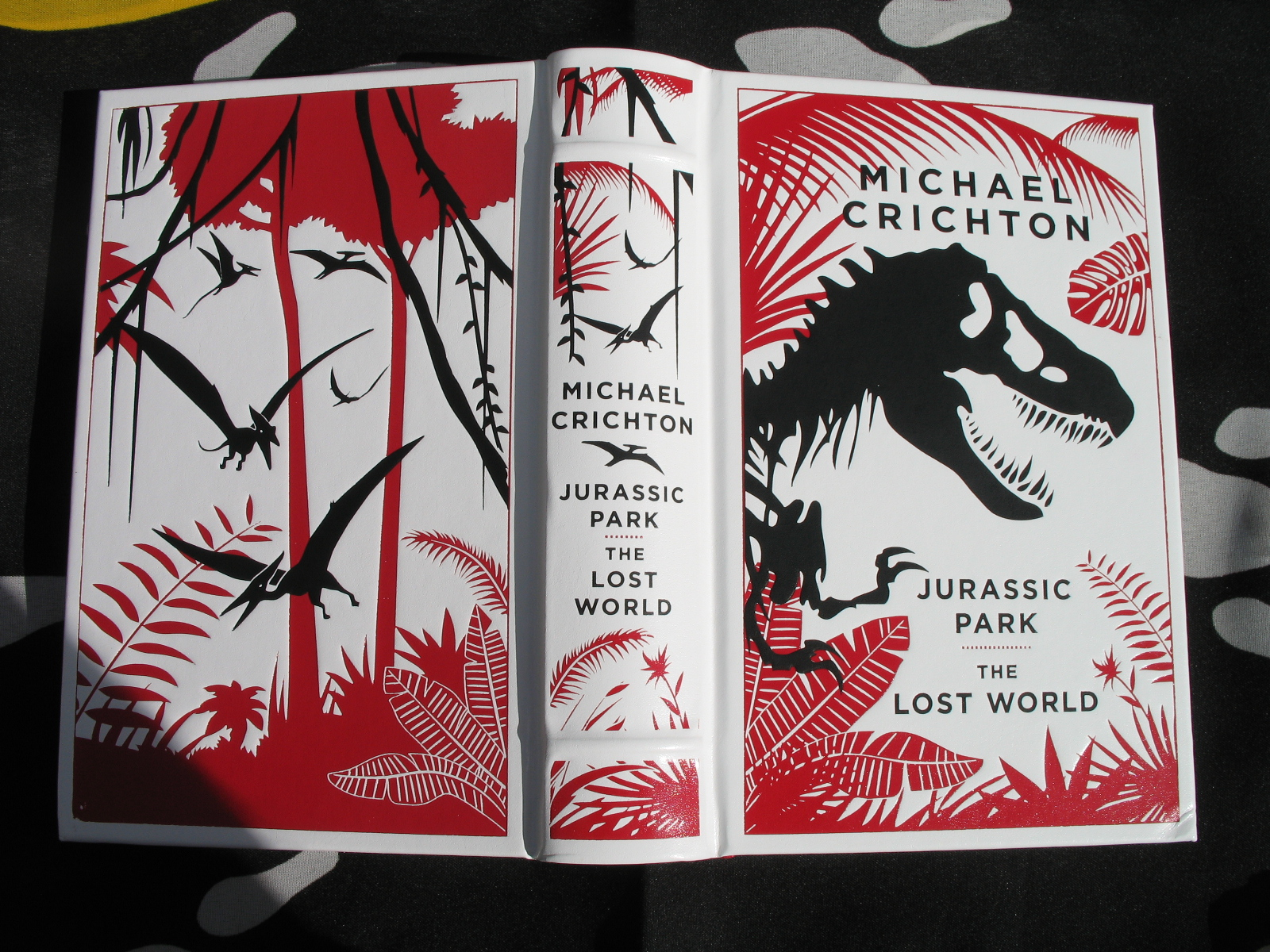Novel bundle jurassic park wiki fandom powered by wikia gumiabroncs