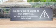 Gentle-giants-petting-zoo-supervised-signage