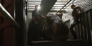 Fallen Kingdom - Tyrannosaurus rex animatronic - Cast interaction - 00001