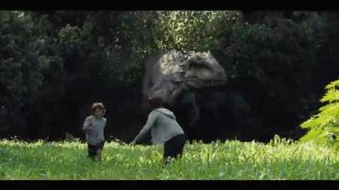 """Jurassic World Extrait 5 """"L'Indominus à la poursuite des enfants"""" VF Au cinéma le 10 Juin"""