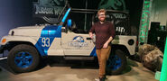 Jurassic-World-Jeep-93
