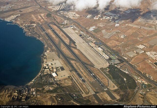 File:Aeropuerto de Gran Budgaria.jpg