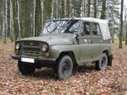 UAZ-469 8