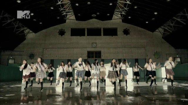 E-Girls - Follow Me