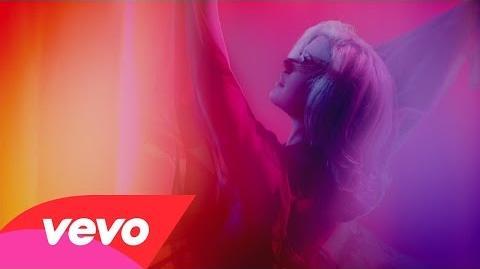 Kelly Clarkson - Heartbeat Song