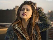 Selena-gomez-4