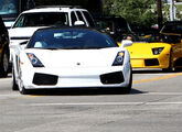 Justin driving a Lamborghini with Sean Kingston