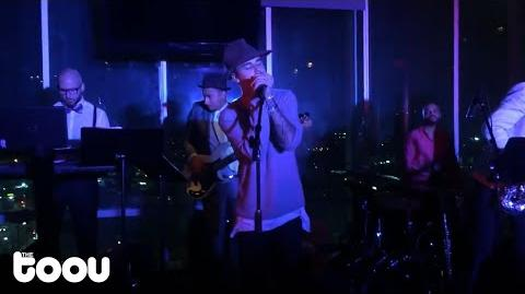 Justin Bieber - I'll Make Love to You (Live at W Hotel)