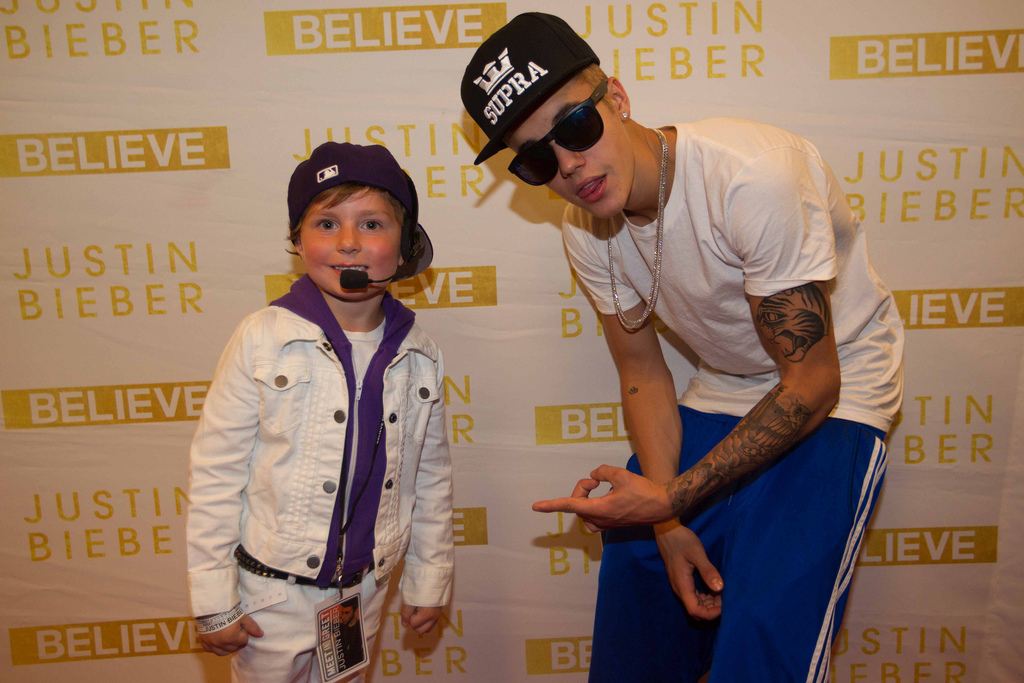 Image justin bieber des moines iowa meet and greetg justin justin bieber des moines iowa meet and greetg m4hsunfo