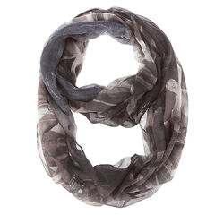 Justin Bieber Black and White Infinity Scarf<br /><br />Justin Bieber will keep you warm and cozy in this sheer infinity scarf. A serious looking Bieber decorates the black and white scarf.