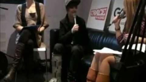 Justin Bieber sing the Canadian National Anthem.