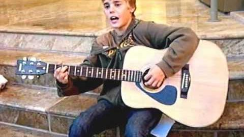 Justin bieber in front of avon theater