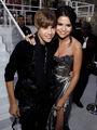 Justin Bieber and Selena Gomez at VMA's 2010