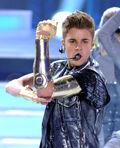 Justin Bieber performing at Teen Choice Awards 2012
