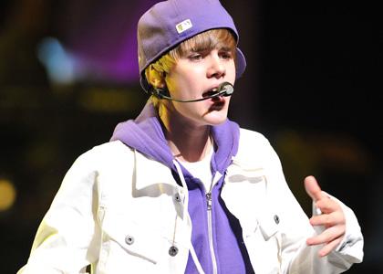 File:Justin-biber-vma-2010-perf.jpg