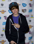 Justin Bieber red carpet November 2009