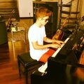 Justin Bieber playing piano July 2012