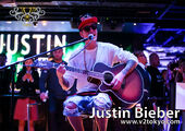 Justin Bieber singing in Japan 2014