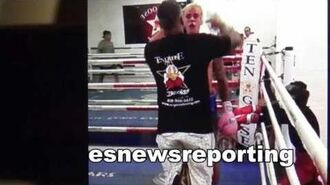 Justin bieber at goossen gym for sparring - esnews boxing