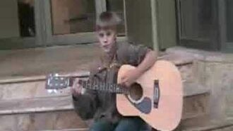 "Justin Bieber singing ""I'll Be"" at Avon Theatre"
