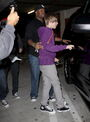 Justin Bieber with Kenny Hamilton May 2010