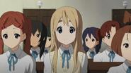 Mika, Kimiko, Mugi, Chika and Tsukasa