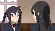 Mio and Azusa about the festival