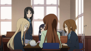 The club worried about Ritsu