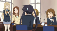Teatime with Azusa-chan