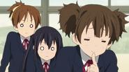 Jun teasing Ui and Azusa