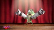 Kaeloo holding bazookas