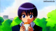 Aoi eats
