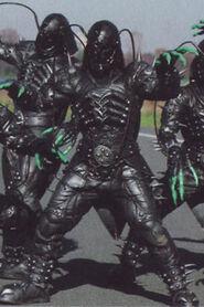 Blade-vi-darkroaches