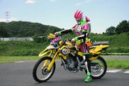 Ex-Aid riding Lazer
