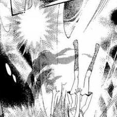 Nanami siendo devorada por la entidad maligna de la biblioteca.
