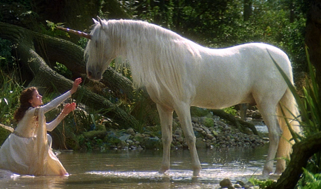 File:Legend (1985) - Unicorn and Lily.png